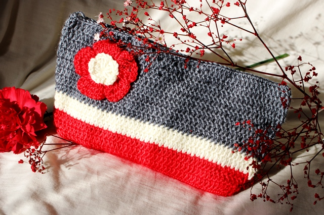Grey-Red-Off white Colour Block Purse